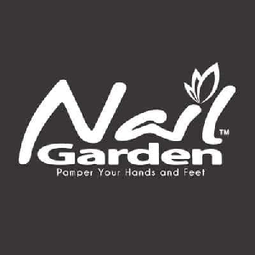 Stop by the Nail Garden space and enjoy a complimentary mini manicure