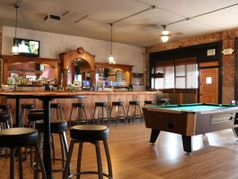 Gooney's Bar and Grill