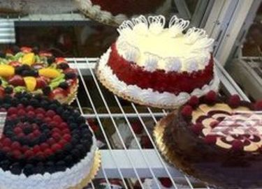 Royal Bakery & Cafe